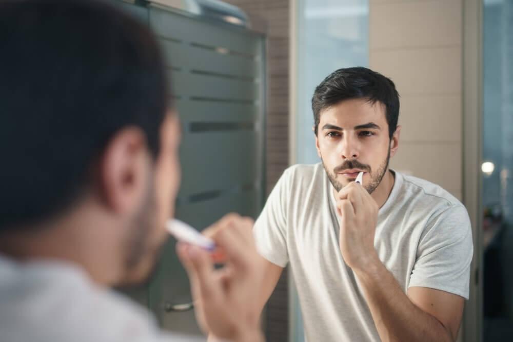 抽過神經的牙齒要怎麼保養?牙齒抽神經吃東西會痛一定要讓醫師檢查